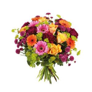 Bukett med rosor, nejlikor, germini m m. Blandade, glada färger. Finns hos Interflora.