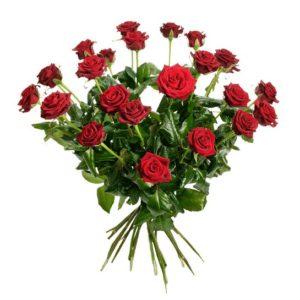 Skicka röda rosor till Alla Hjärtans Dag. Bukett med 24 st röda rosor. Finns hos Interflora.