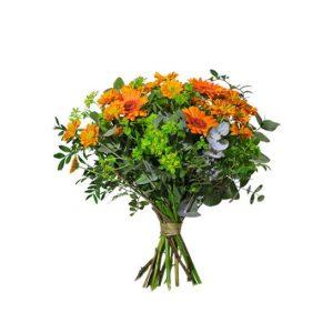 Bukett från Interflora med germini, santini och gröna blad. Buketten går i orange/grönt. Skicka den med ett blommogram och gör någon glad!