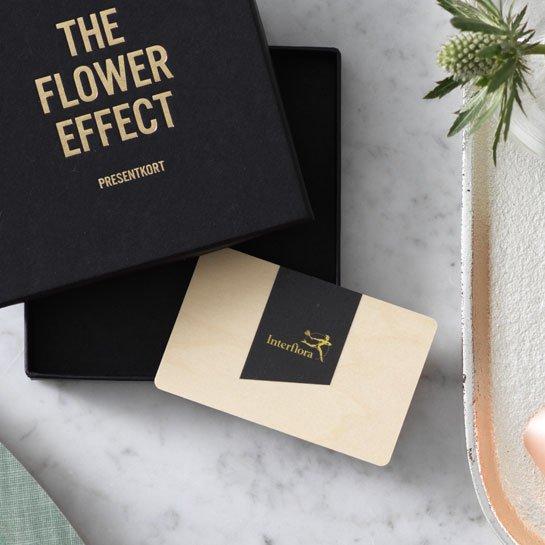 Presentkort på blommor. Ett alternativ hos Interflora.