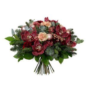 Lyxbukett med vinröda orkidéer, rosépeppar, julkulor och grönt. Skicka blommorna med ett blommogram från Interflora och önska God Jul!