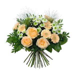 Vårbukett i aprikost, vitt och grönt, med rosor, germini, krysantemum. Blommografera din påskhälsning - beställ din blomstergåva online hos Interflora!