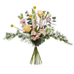 Spretig sommarbukett med lejongap, prärieklocka, rosor, alstroemeria och spretigt grönt.